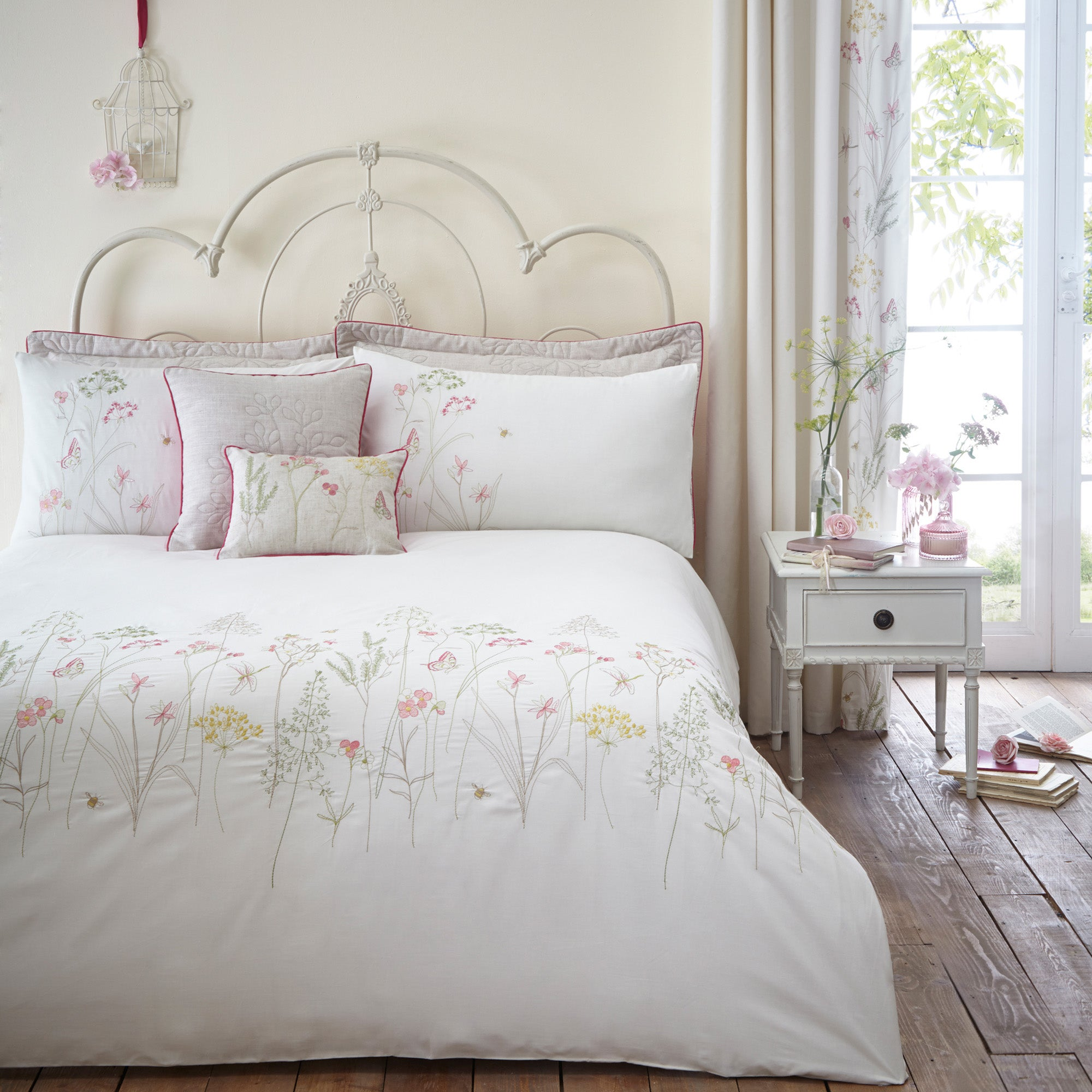 Botanical Gardens Natural Bed Linen Collection