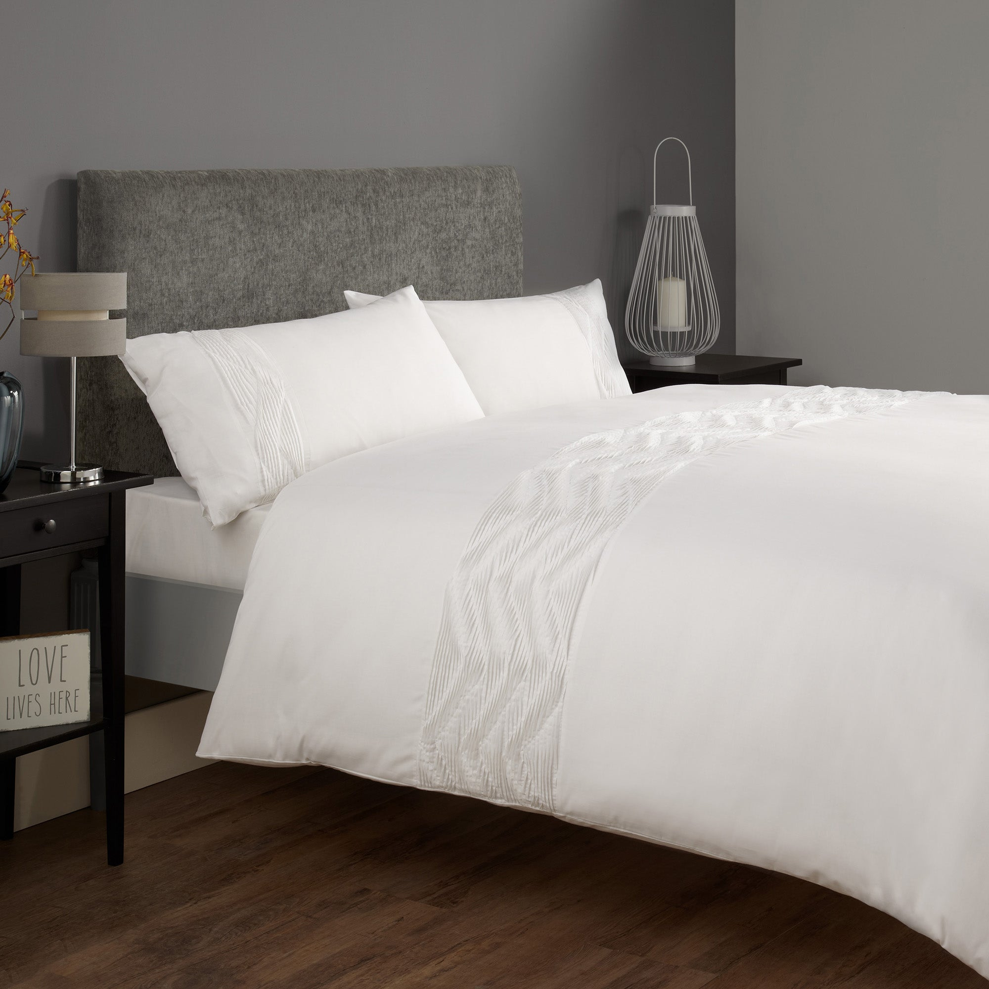 Sydney White Bed Linen Collection