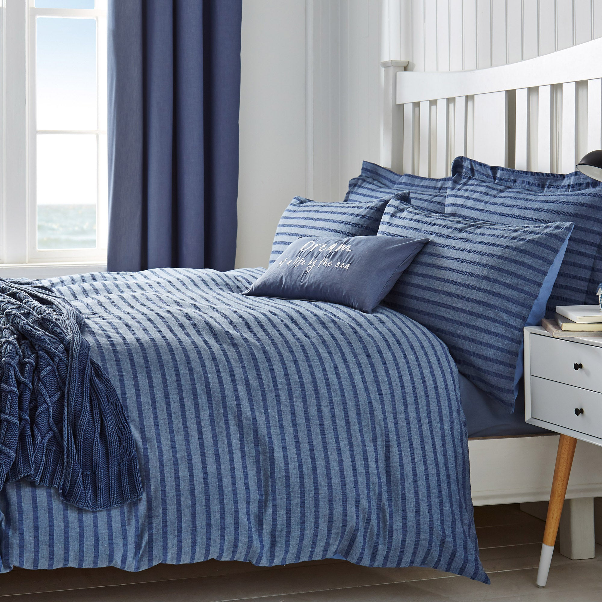 Arlo Seersucker Bed Linen Collection