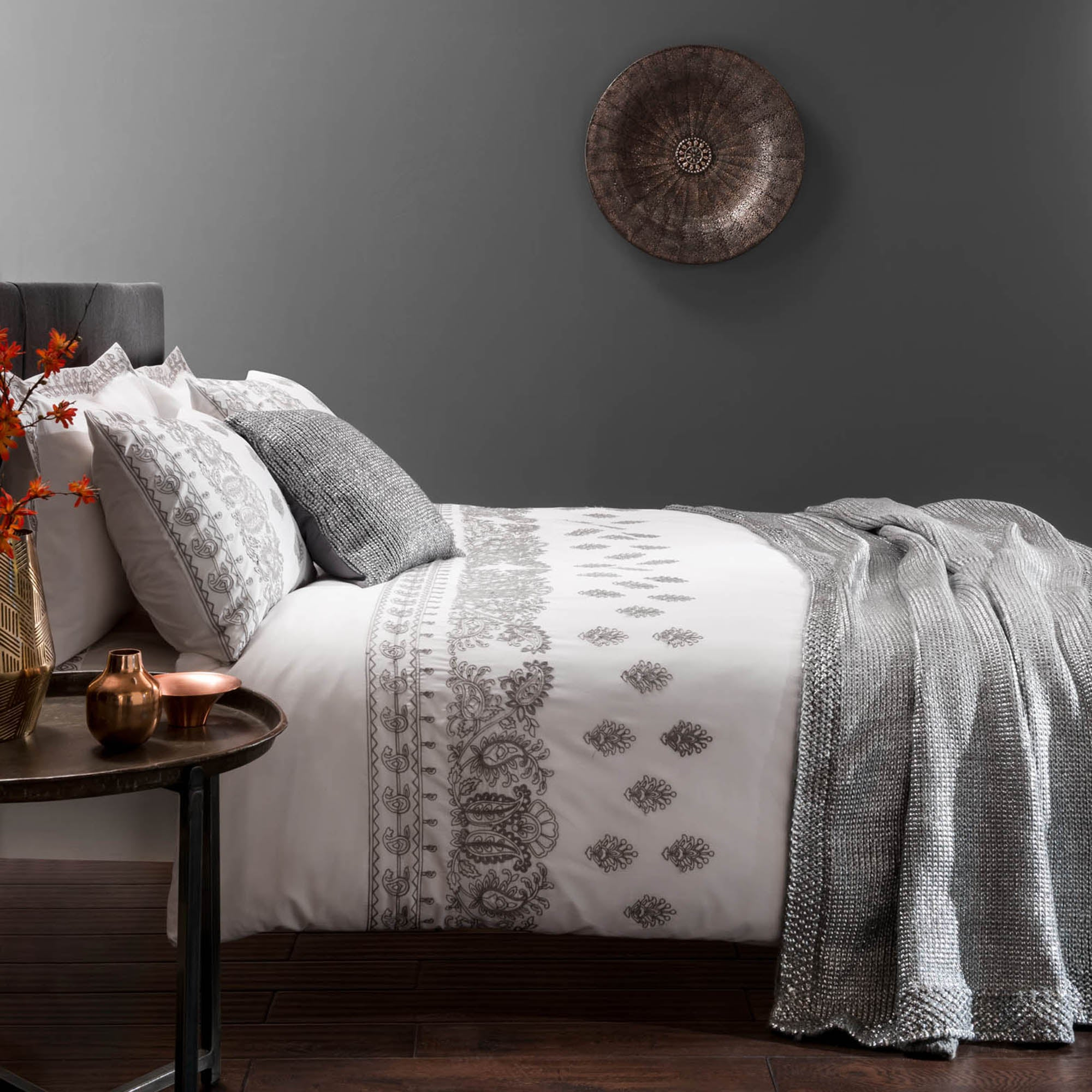 Zofia White Bed Linen Collection