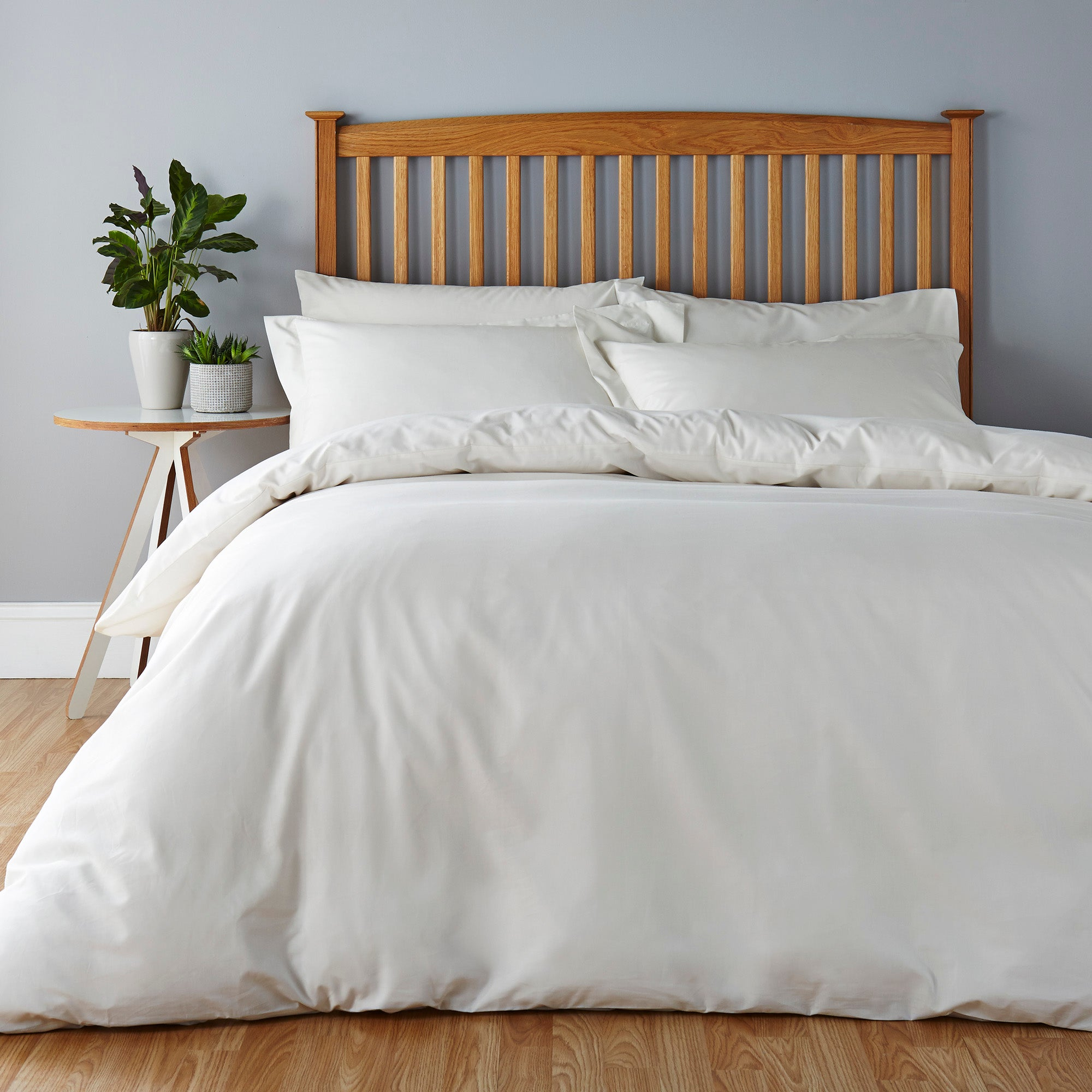 Easycare Plain Dye Ivory Bed Linen Collection