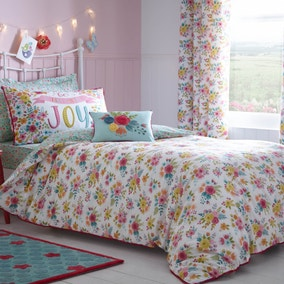 Friends and Flowers Bed Linen Collection