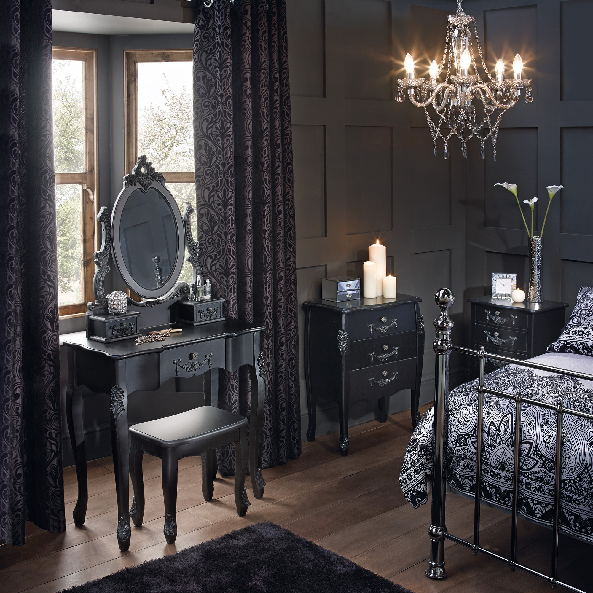 Toulouse Black Bedroom Collection
