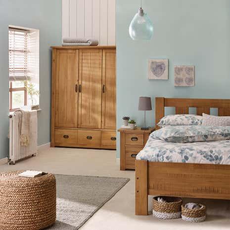 Merveilleux Fenton Pine Bedroom Collection