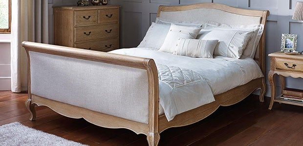 Bedsteads and Headboards