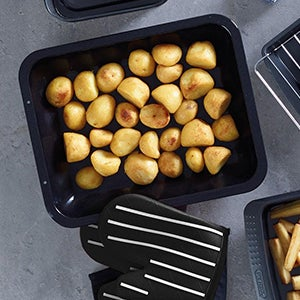 Roasting Pans and Trays